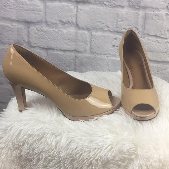 d22f831ec88 Clarks Shoes - NWOB Clarks artisan Nude peep toe heel Sz 10